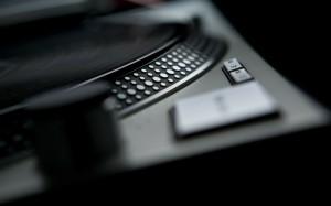 black music artistic studio vinyl techno turntables technics dj 2560x1600 wallpaper_www.wallpaperhi.com_78