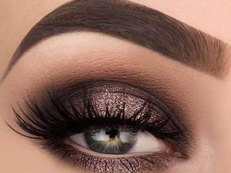 eyeshadow-tutorials-beginner-dipbrow-pomade-chocolate-1AAE9B8B5-39A5-D6F0-D286-1E975EA02F2E.jpg