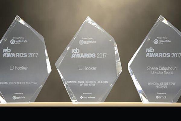 award-6332F6E59-9F0F-C796-91D4-188369CD3F25.jpg